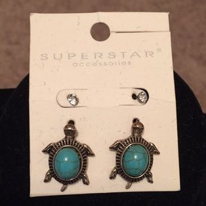 NWT Turtle 🐢 turquoise earrings 💙